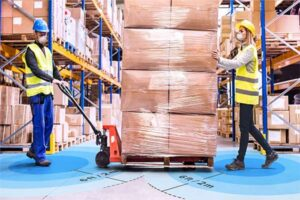 Firma Zebra Technologies przedstawia oprogramowanie dla przedsiębiorstw umożliwiające wykrywanie zbliżania pracowników, ostrzeganie przed interakcjami i ich rejestrowanie